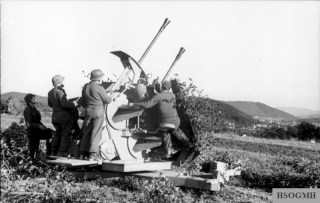 A Flak 43 Zwilling in Northern France, mid-1944.