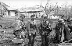 Colonel Karl Lorenz with Lieutenant Wentzke and soldiers in Southern Ukraine, January 1944.