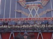 Tribuna oficială la defilarea din Bucureşti de 23 august 1964