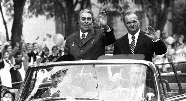 Moldovenii, eliberați din iobăgie de țarul Brejnev