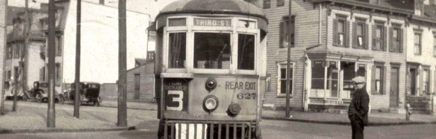 Street car northbound on 4th at Reily Street Dec. 4, 1937