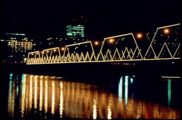 Walnut-Street-Bridge-Pic-1