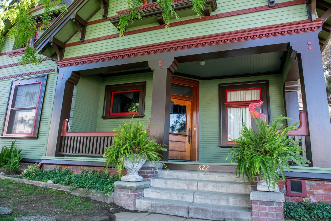 Front Porch of The Historic Harris House - Victorian House - Los Angeles - Glendale