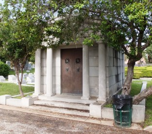 0138 Small Mausoleum