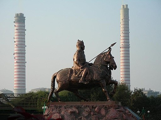 Statue of Prithviraj Chauhan sitting on Horse