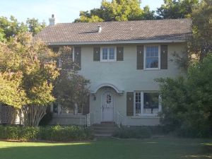 Two-story Colonial Revival Los Olivos