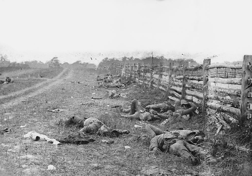 Alexander Gardner photo of the Battle of Antietam