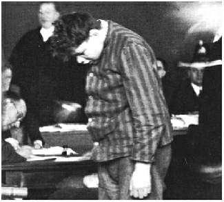 Van der Lubbe après son arrestation