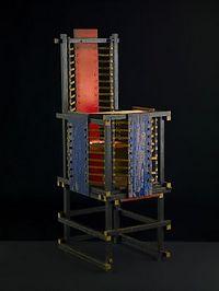 De kinderstoel van Gerrit Rietveld