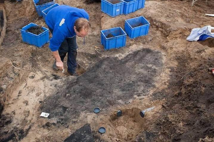 De grafkuil waar Michelle werd gevonden (NieuwLand)