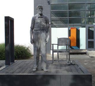 Levensgroot beeld uit 2011 van de 'Reus van Rotterdam'
