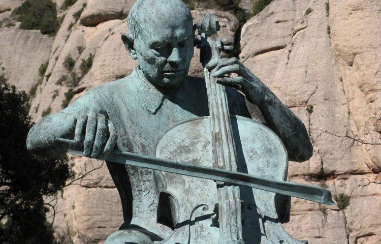 Standbeeld van Pablo Casals op de berg Montserrat - cc