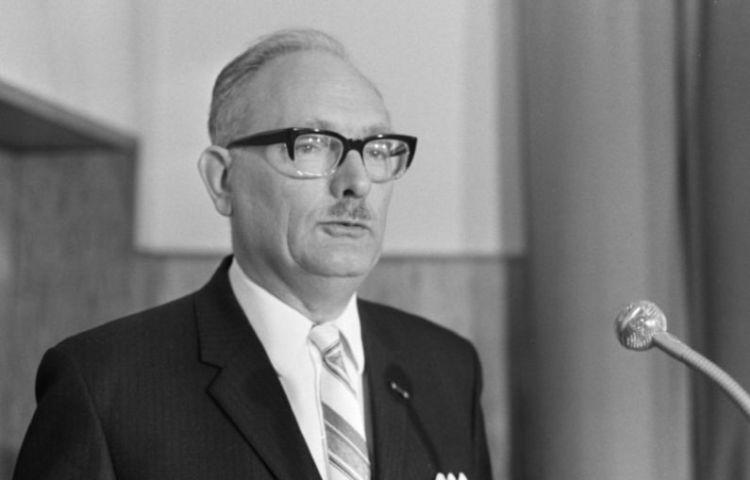 Johan van Hulst in 1969 (Nationaal Archief/Anefo/Joost Evers)