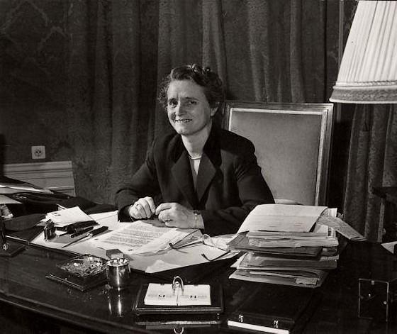 Marga Klompé, de eerste vrouwelijke minister van Nederland