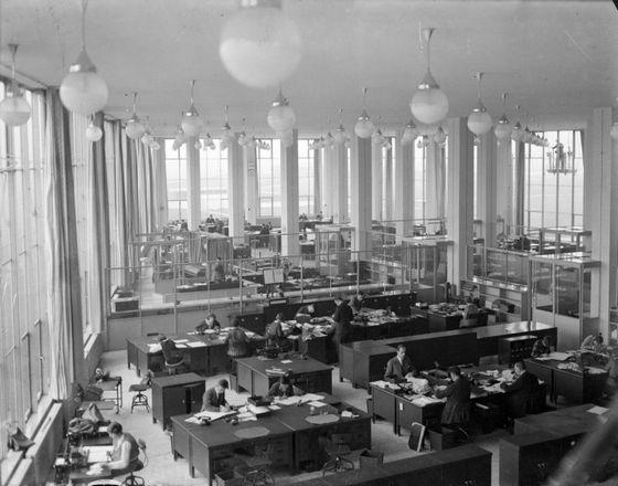 Interieur van de Van Nellefabriek