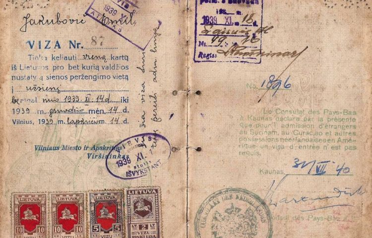 Visum (1940) met handtekening van Jan Zwartendijk