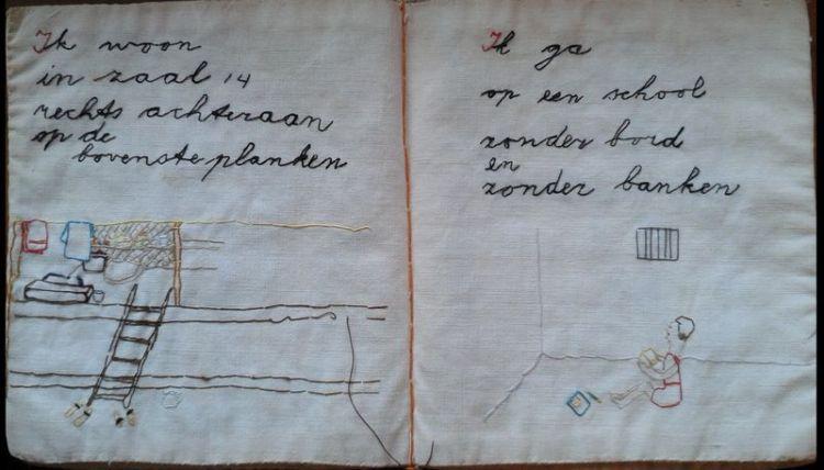 Lesboekje van stof dat de moeder van Marianne Sophia in Nederlands-Indië maakte - Foto: Westerbork