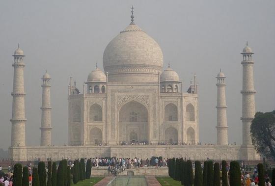 Taj Mahal. Bron: CC/Avamanverma26
