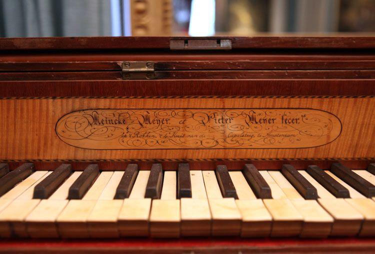 De verlengde piano uit ca. 1789 - Foto: Museum Geelvinck