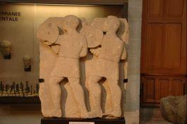 Twee Iberische krijgers - Reliëf uit de tweede eeuw voor Christus (Nationaal Archeologisch Museum, Saint-Germain)