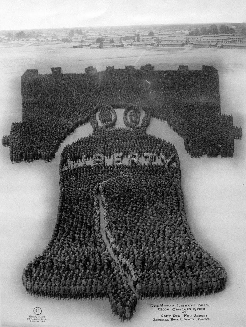 The Human Liberty Bell - Arthur Mole, 1918