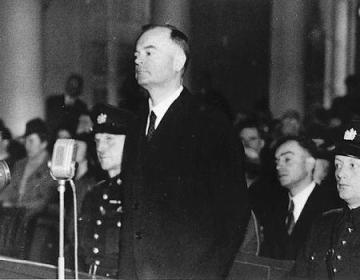 Anton Mussert moet zich verantwoorden voor het Bijzonder Gerechtshof (28 november 1945)