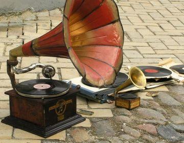 Fonograaf (stck.xchng)