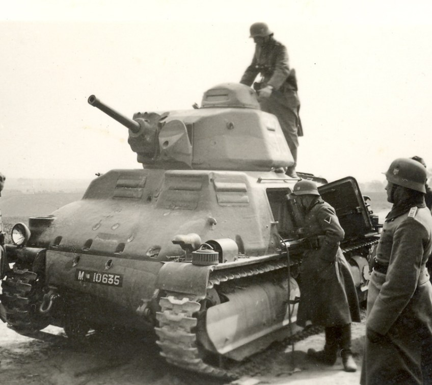 Franse S-35 tank (foto: zuidfront-holland1940)