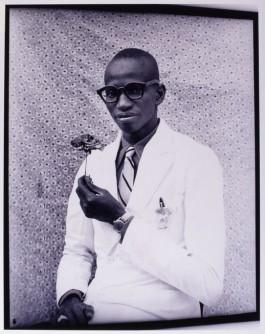 Seydou Keïta, Untitled 1958/1959 (Seydou Keïta Photography Estate)