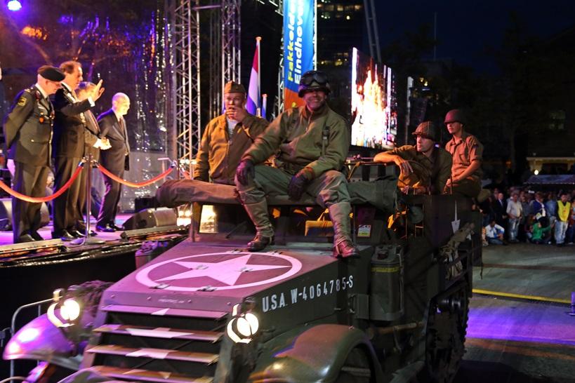 Bevrijdingsdefilé Eindhoven 2014 (Stiwot)