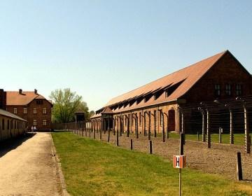 Barakken in Auschwitz - cc