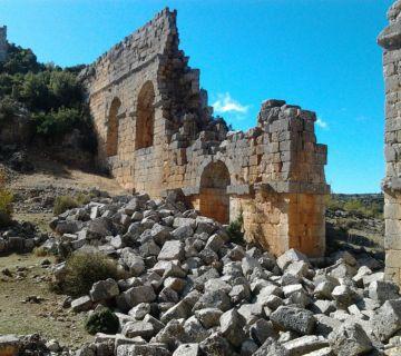 Ruïne van een Romeins viaduct - cc