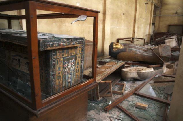 Het museum in Malawi. Deze mummie is er tenminste nog. Andere zijn kapot gemaakt om papyri uit te halen of zijn in brand gestoken.