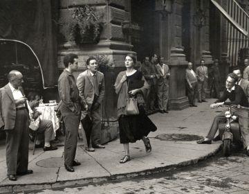 Ruth Orkin, American Girl in Italy, 1951 © Ruth Orkin. Courtesy of Howard Greenberg