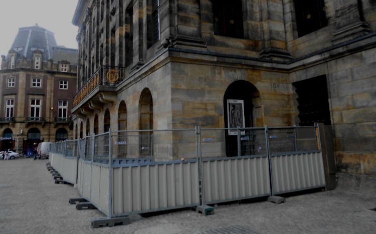 Bouwhekken rondom het paleis (Rijksvastgoedbedrijf)