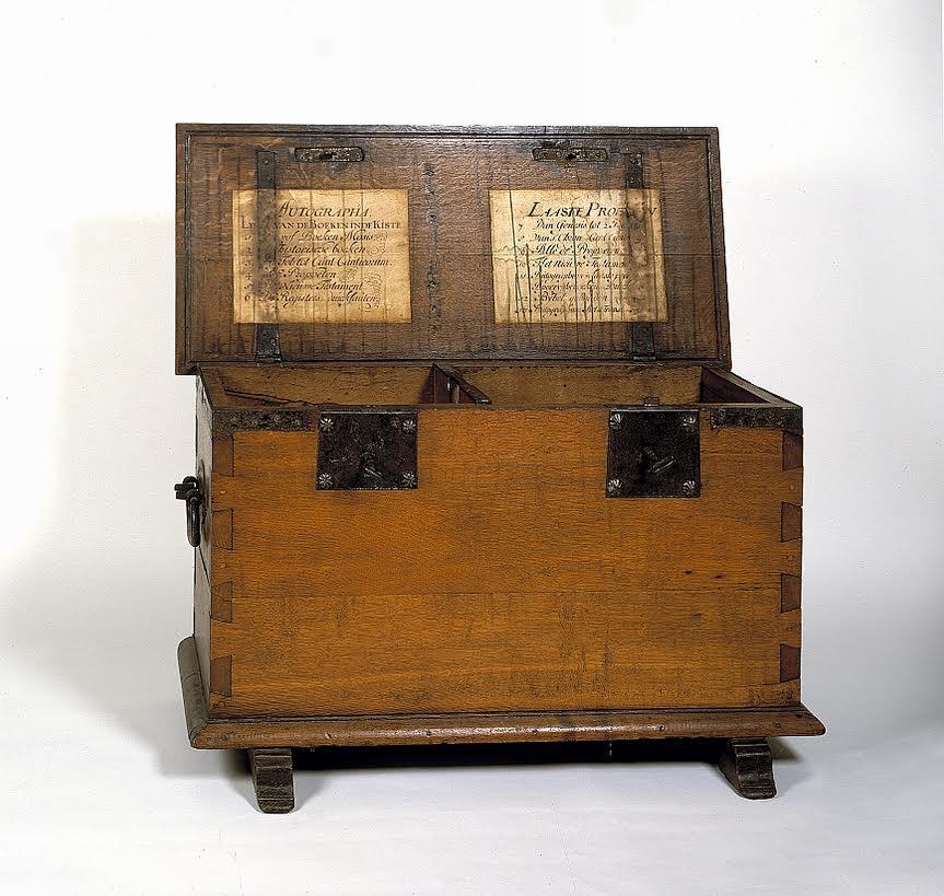 Kist voor de originele stukken van de Statenvertaling (Catharijneconvent)