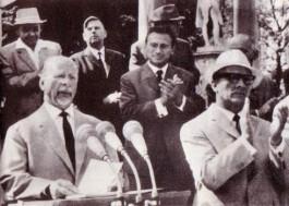 DDR-partijleider Walter Ulbricht (l) en zijn latere opvolger Erich Honecker (Deutsches Bundesarchiv)