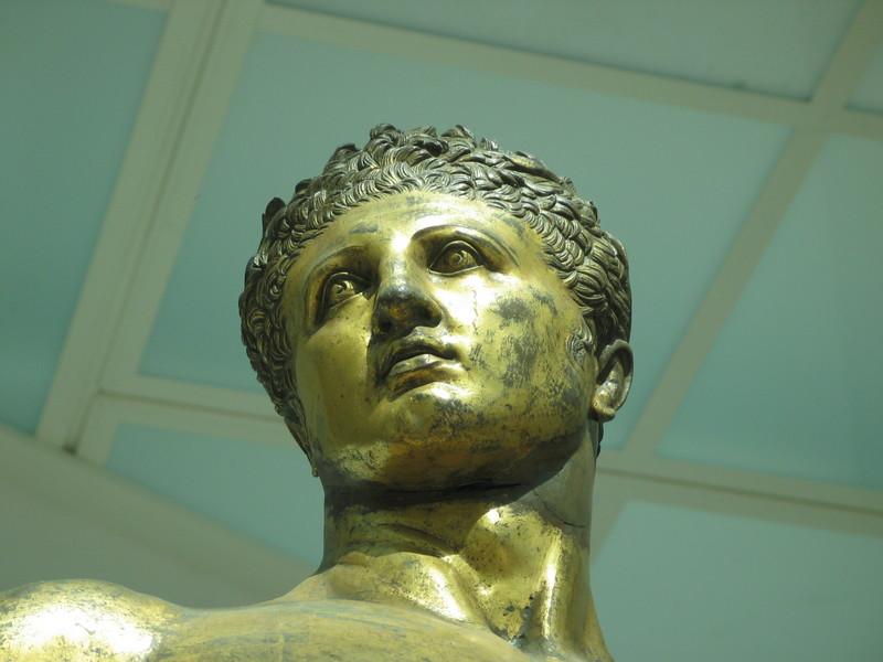 Commodus als Hercules. Bronzen standbeeld, Musei Capitolini, Rome - cc