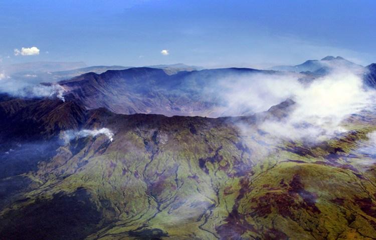 De vulkaan Tambora gezien vanuit de lucht - cc