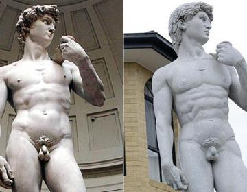 De David van Michelangelo en de replica in Melbourne
