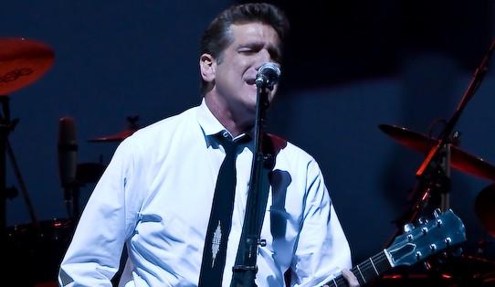 Glenn Frey tijdens een optreden in 2008 - cc
