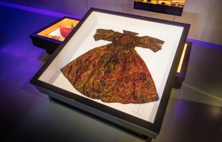 De gevonden japon uit de Gouden Eeuw (Kaap Skil)