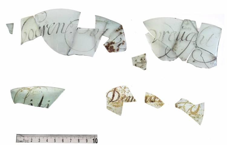 Gegraveerd glas van Maria Tesselschade gevonden (gemeente Alkmaar)