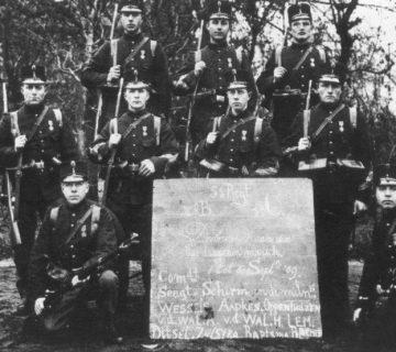 Deelnemers 1ste Vierdaagse in 1909 (Foto Regionaal Archief Nijmegen )