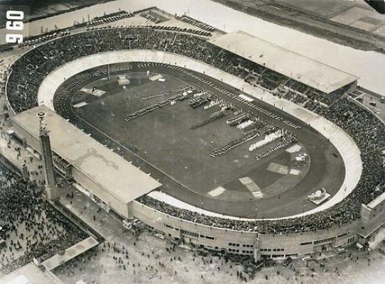 Het Olympisch Stadion in 1928