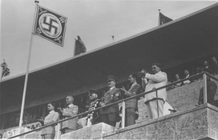 Foto gemaakt tijdens de openingsceremonie van de Olympische Spelen van 1936 (IOC)