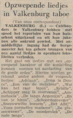 Krantenartikel: liedjes als Ammehoela en Schipper mag ik overvaren taboe in jukeboxen Valkenburg, Limburg. Bron: Amigoe di Curacao : weekblad voor de Curacaosche eilanden (4 aug. 1966) / Delpher.