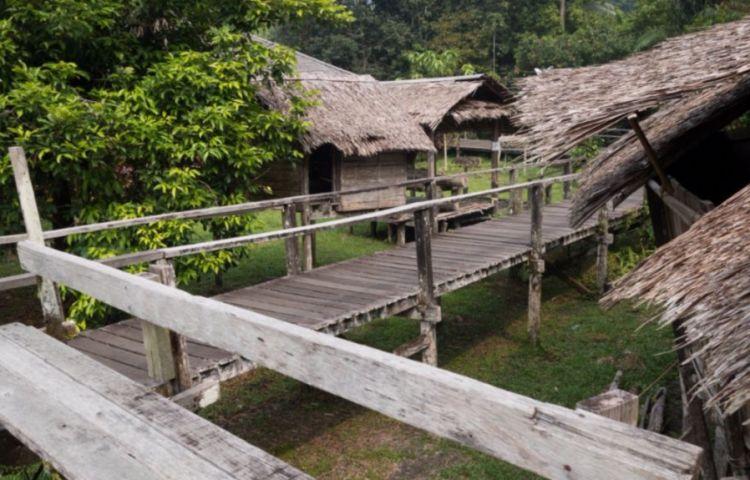 Dorpje op Borneo, Maleisië - cc