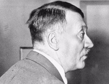 Een niet erg fris ogende Adolf Hitler, juli 1944