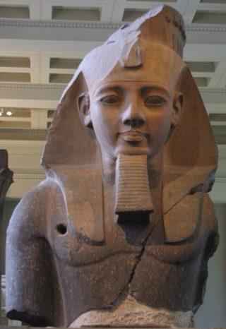 Het beeld van de jonge Memnon - cc (British Museum)
